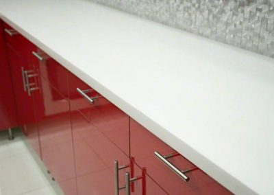 Arctic-white-quartz-countertop 2