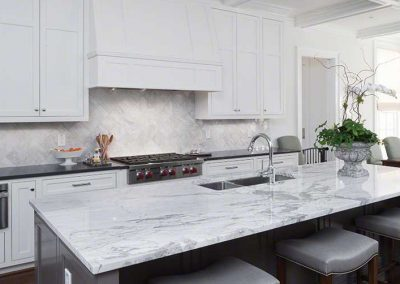 Statuary-venato-shadow-gray-quartz-countertops