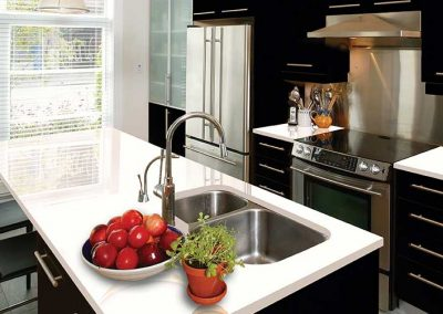 Arctic-white-quartz-kitchen